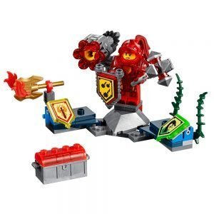 LEGO Nexo Knights 70331 Ultimate Macy 1
