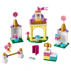 LEGO Disney 41144 Petite's Koninklijke Stal 1