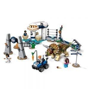 LEGO® Jurassic World 75937 Triceratopschaos 1